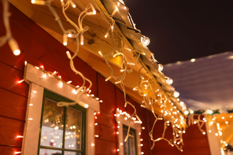 exterior-christmas-lights